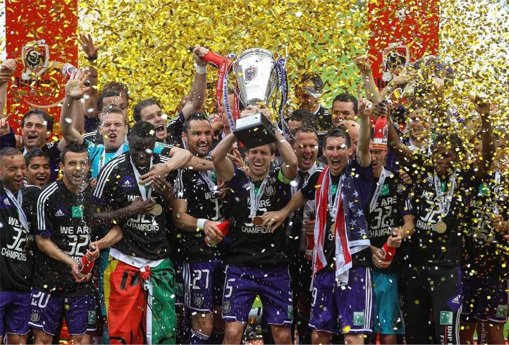 De 32ste titel is binnen voor Anderlecht!