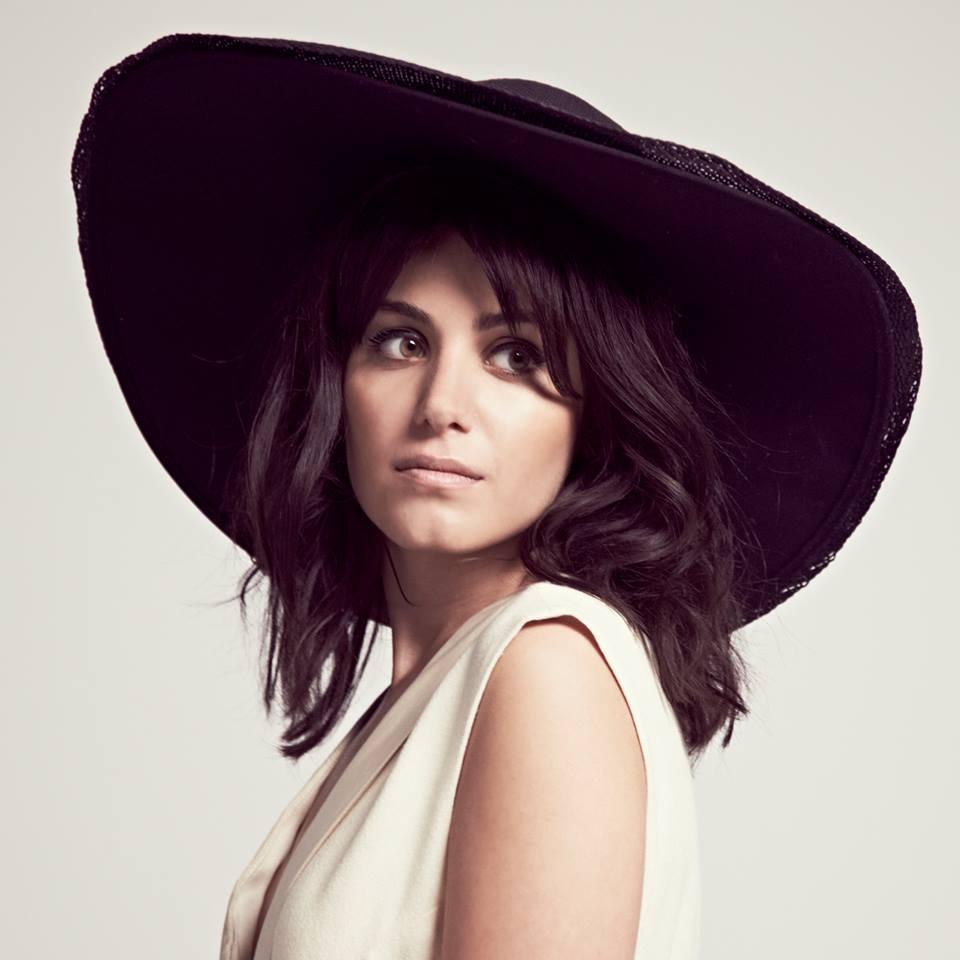 Katie Melua, met haar muziek lokt ze blijkbaar spinnen
