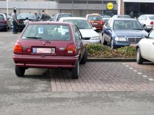mensen die niet kunnen parkeren zijn ergerlijk