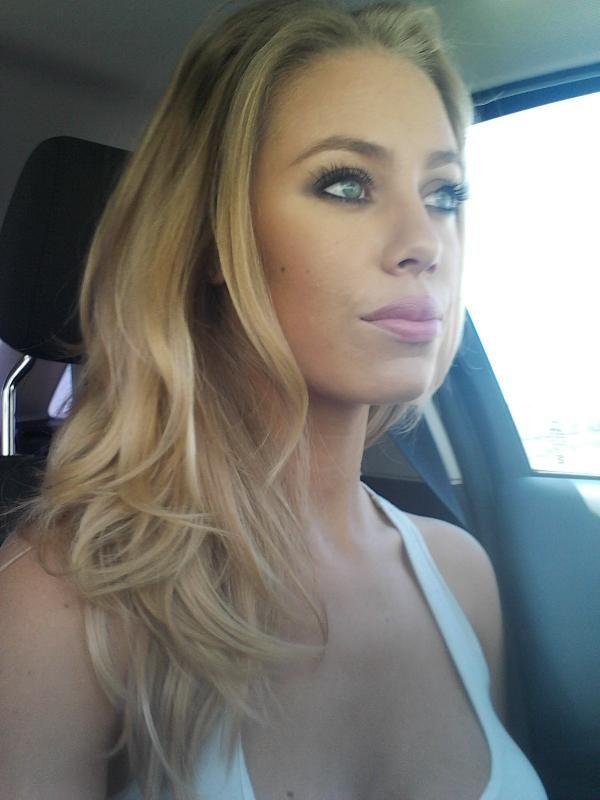 Nicole Aniston, voor een vrouwvriendelijker pukkelpop